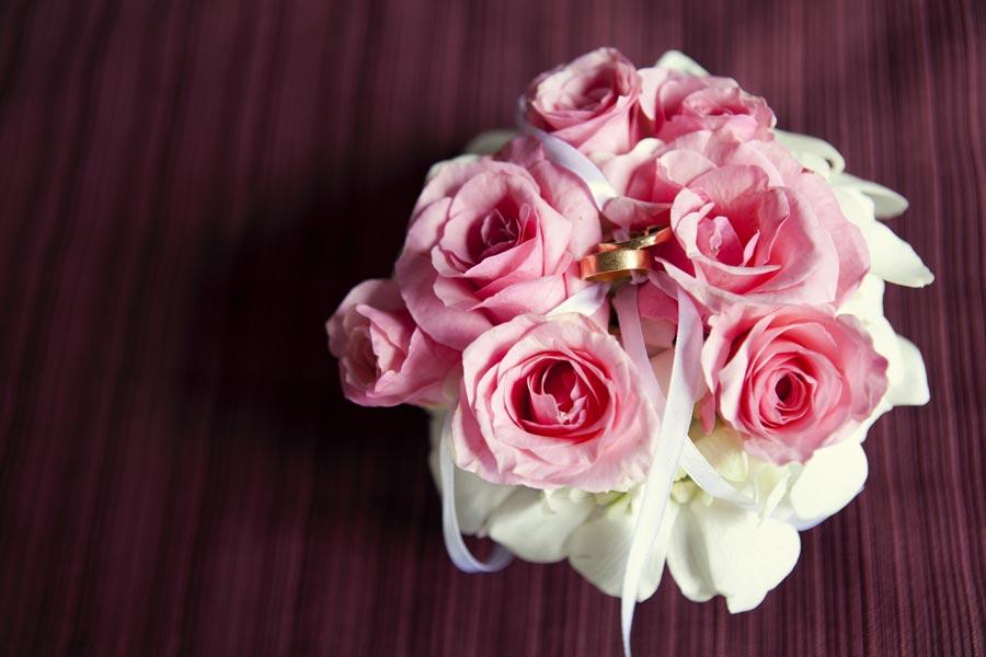 Un porte alliances original pour votre mariage ceremonize - Support alliances mariage ...